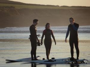 Wolvo Surf Crew - post-winter surf!