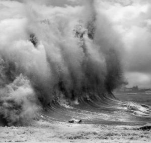huge_waves_1029